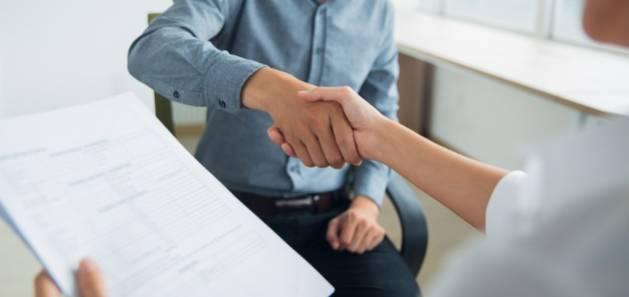 Embauche d'un premier salarié : comment procéder ?