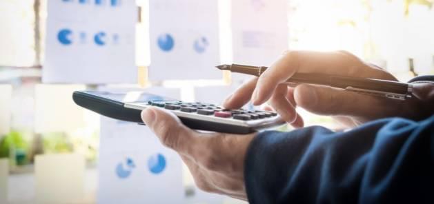 Internaliser ou externaliser la paie : comment choisir la bonne solution ?